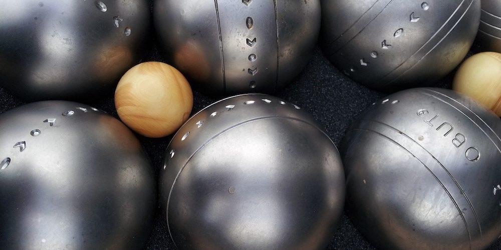 2 triplettes de boules de pétanque pour le loisir